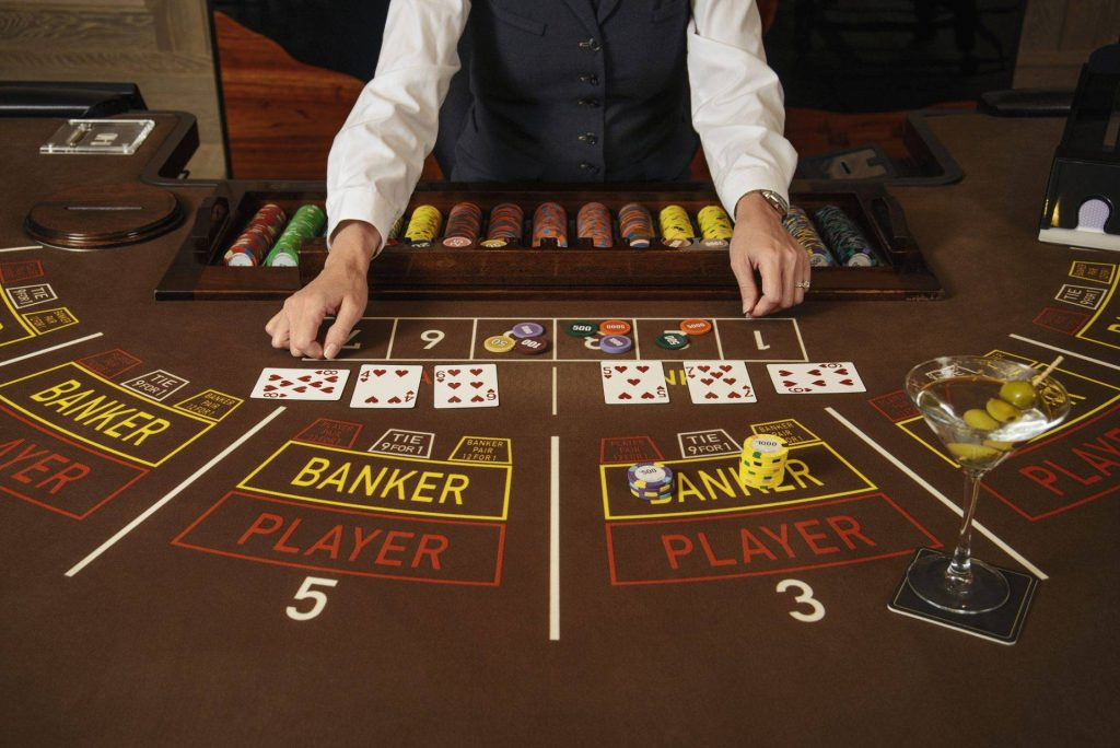 Get advice with Baccarat online and place your sports bets