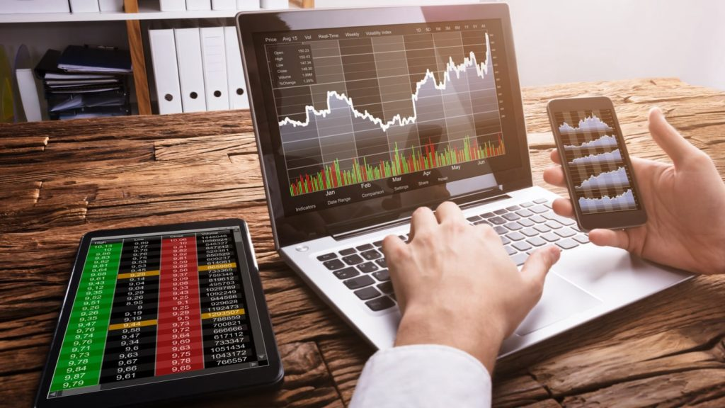 Hire the best Forex brokers to save a lot of time in trade markets