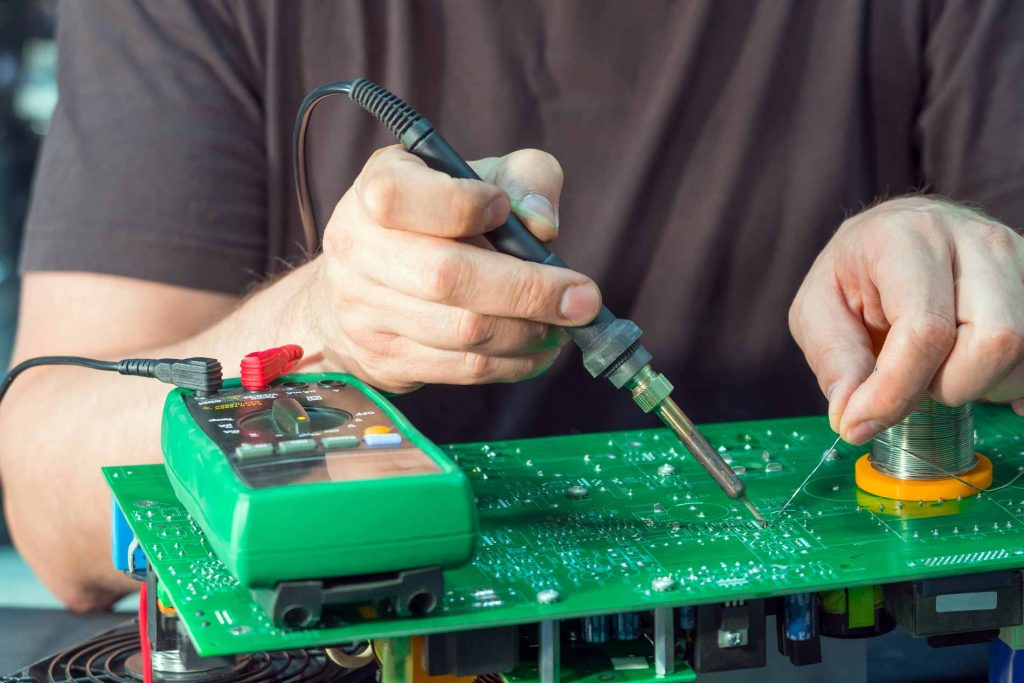 How can a person find electrician Jurupa for cheap and of best experience?