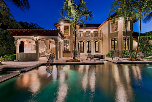 Should I Buy a Residential Property in Boca Raton?